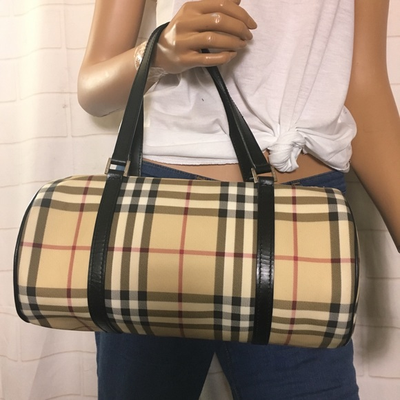 Burberry Handbags - Burberry Papillon Handbag